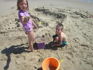"The ""sand sculptors"" Sydney and Tommy"